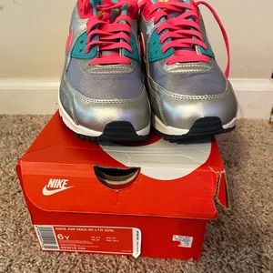 Nike AirMax 90's size 7 Youth